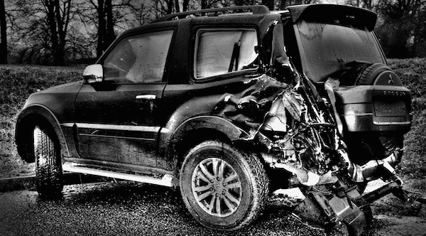 Camioneta chocada sin seguro para camionetas