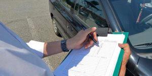 Llenar formulario en el examen de licencia de conducir para extranjeros